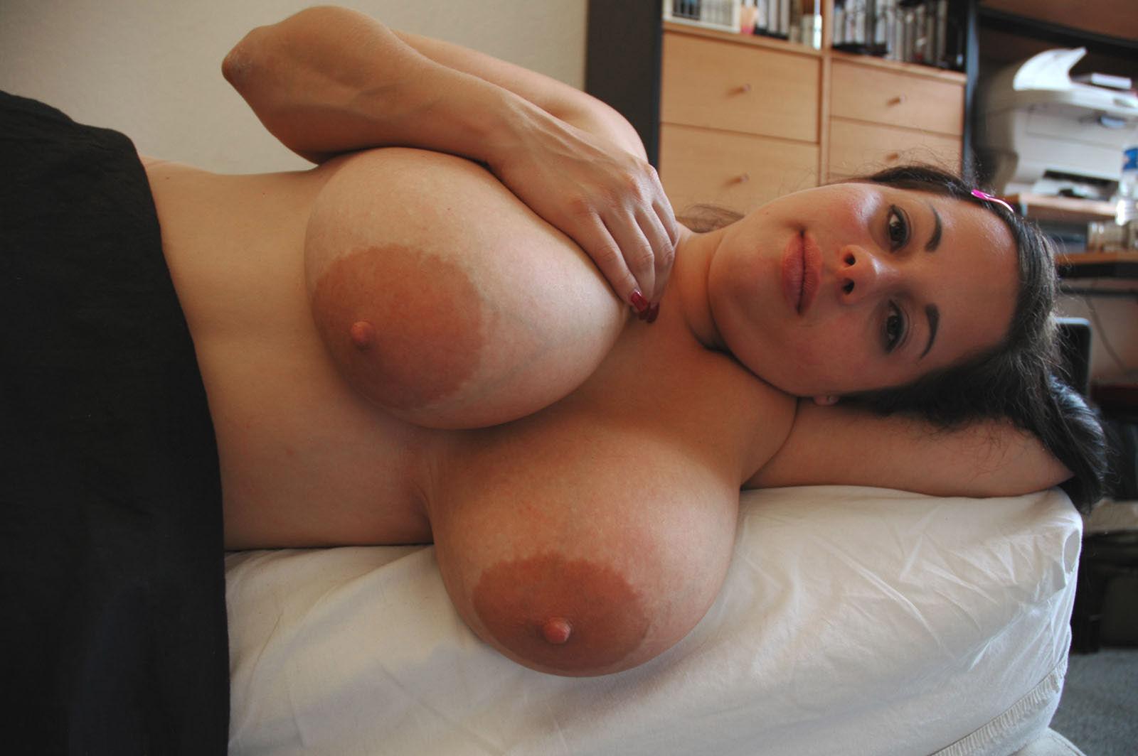 Секс фото с большими сосками, Большие сиськи порно фото и секс фотографии 12 фотография