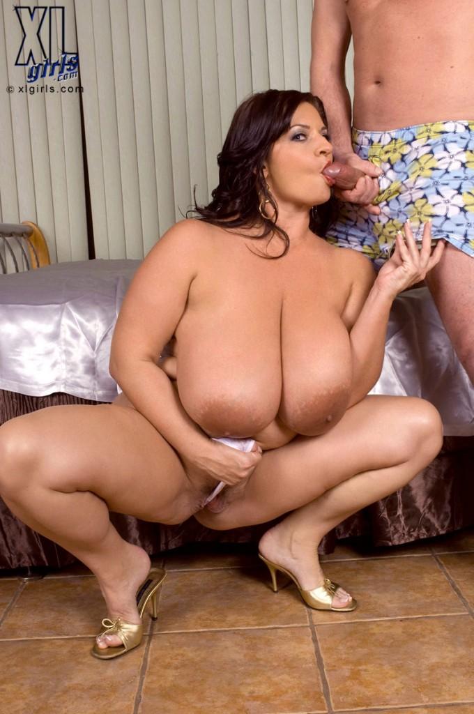 Порно фото полные большие груди
