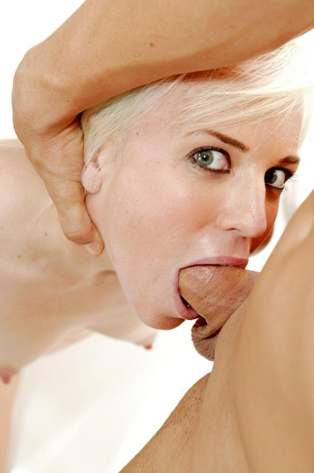 Ehefrau Vollbusige Retro Deepthroat