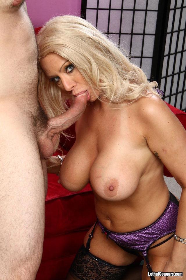 Cougar blowjob video