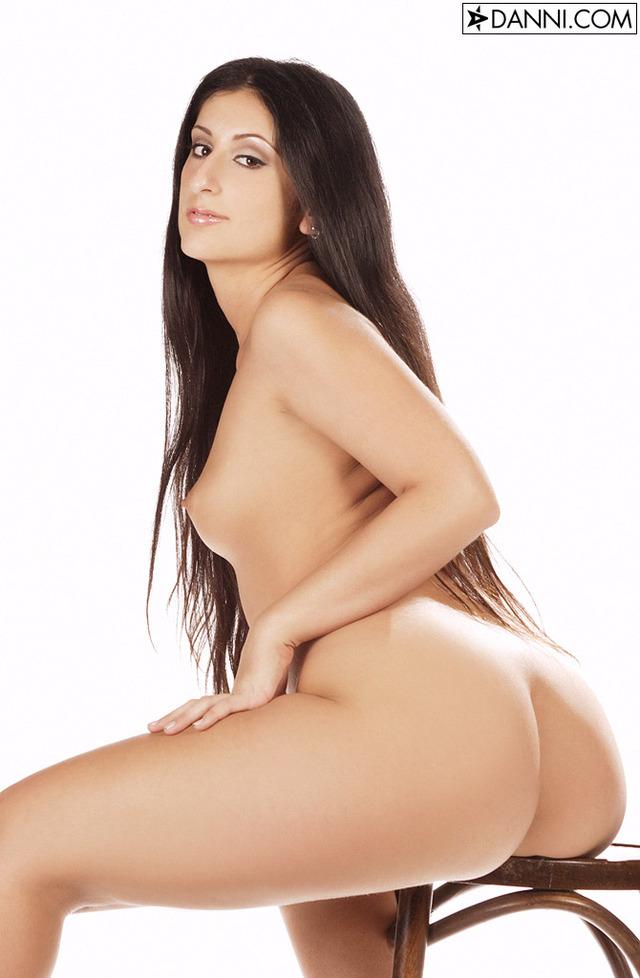 aryssa milano all nude