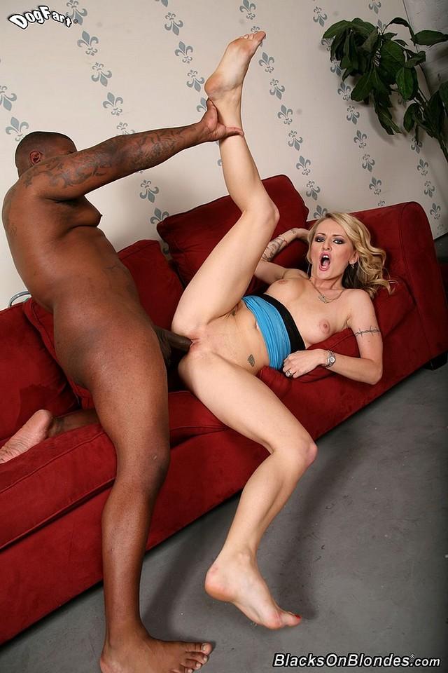 Порно наташа с негром