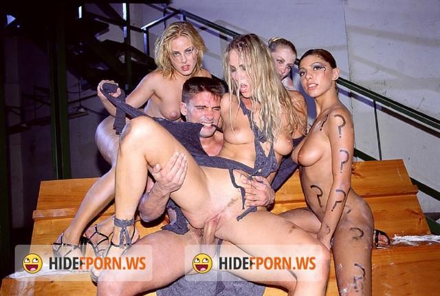 актер порно private