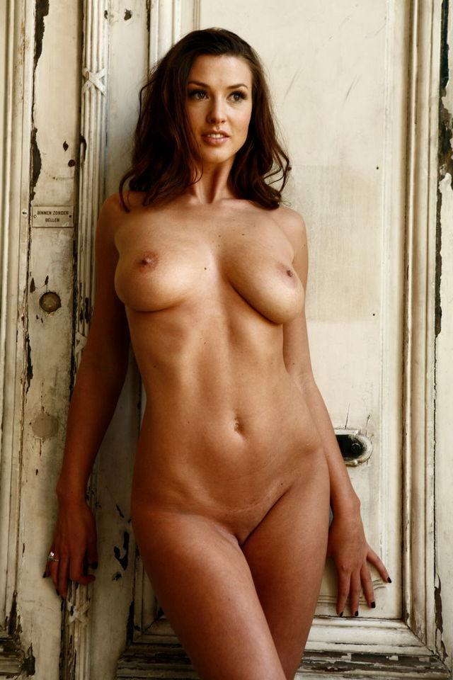 Актрисы полностью голые фото 20296 фотография
