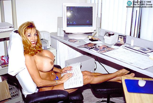 Порно онлайн с lacey legends