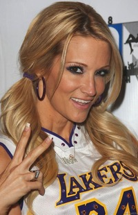 Angelina Castro porn porn star jessica drake wearing lakers jersey free wears kobe bryant pride
