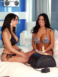Catalina Cruz xxx sybian catalina cruz explores sienna west