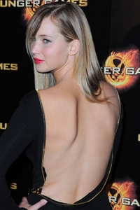 Dalia Dayze xxx sploogeblog jennifer lawrence backless photo round
