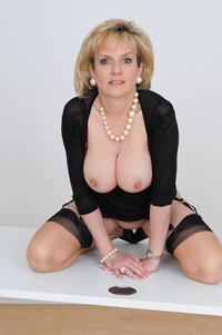 Lady Sonia porn photo large sexy mature granny lady sonia shows huge boobs free gilf pics