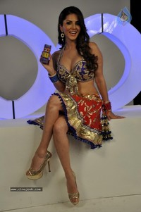 Sunny Leone xxx gallereys spicy normal sunny leone xxx energy drink shoot photo gallery
