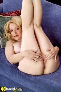 Robin Pachino xxx gfullsize get score cash galleries blonde grannie having fun holes