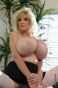 Dee Dee Deluxx sex photos dee deluxx