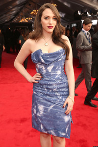 Elizabeth Fox sex gen kat dennings city facebook